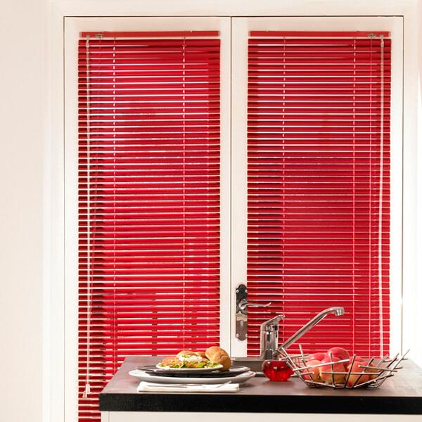 Aluminium and wood venetian blinds glasgow